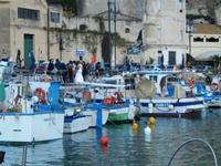 al porto - sposi - 14 aprile 2012  - Castellammare del golfo (491 clic)