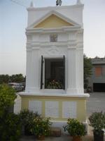 Contrada MATAROCCO - edicola votiva al centro della piazzetta - 5 agosto 2012  - Marsala (376 clic)
