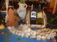 l'aglio di Nubia, vino siciliano e mulino a vento in miniatura (312 clic)
