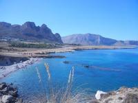 Golfo del Cofano - piccola spiaggia di sassi e panorama costiero - 30 agosto 2012  - Macari (273 clic)
