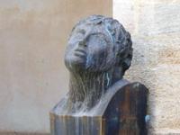 particolare di scultura nel Chiostro - Chiesa S. Francesco d'Assisi - 6 settembre 2012  - Sciacca (599 clic)