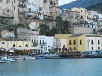 case e locali sul porto - 14 aprile 2012  - Castellammare del golfo (465 clic)