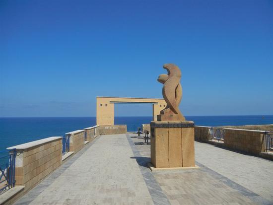 Belvedere - monumento Anfitrite e il Delfino - BALESTRATE - inserita il 03-Aug-15