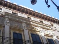 Palazzo S. Giacomo Tagliavia - particolari architettonici - 6 settembre 2012  - Sciacca (410 clic)