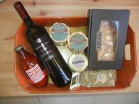 vino, pasta, origano e conserve - prodotti tipici siciliani - Alicos - 29 agosto 2012  - Salemi (862 clic)