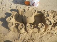Zona Battigia - castelli di sabbia - 27 giugno 2012  - Alcamo marina (264 clic)