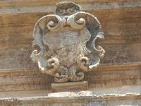 particolare architettonico della facciata - Chiesa dei SS. Paolo e Bartolomeo in Corso 6 Aprile - 2 giugno 2012  - Alcamo (292 clic)