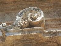 particolare architettonico della facciata - Chiesa dei SS. Paolo e Bartolomeo in Corso 6 Aprile - 2 giugno 2012  - Alcamo (241 clic)