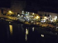 locali sul porto a sera - 31 marzo 2012  - Castellammare del golfo (341 clic)