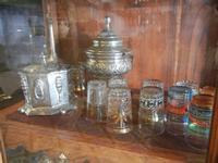 la casa del cous cous sanvitese stoviglie pregiate in vetrina - 18 agosto 2012  - San vito lo capo (354 clic)