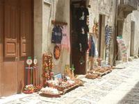 bottega di souvenir - 5 agosto 2012  - Erice (327 clic)