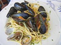 spaghetti alle cozze e vongole - Il Delfino - 12 agosto 2012  - San vito lo capo (438 clic)
