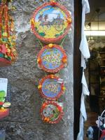 souvenir  - tamburelli - 25 aprile 2012  - Erice (401 clic)