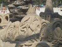 castelli di sabbia - sculture sulla sabbia di Iannini Antonio, scultore napoletano sanvitese - 18 agosto 2012  - San vito lo capo (797 clic)