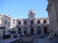 Piazza della Repubblica e Palazzo VII Aprile 1860 - centro storico - 9 settembre 2012  - Marsala (415 clic)