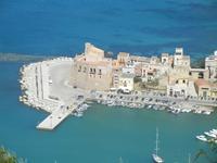porto e Castello a Mare - 6 maggio 2012  - Castellammare del golfo (540 clic)