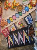 tappeti dell'artigianato locale e ceramiche  - 25 aprile 2012  - Erice (431 clic)