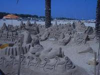 castelli di sabbia - sculture sulla sabbia di Iannini Antonio, scultore napoletano sanvitese - 19 agosto 2012  - San vito lo capo (717 clic)