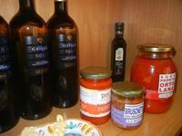 vino, olio e conserve - prodotti tipici siciliani - Alicos - 29 agosto 2012  - Salemi (717 clic)