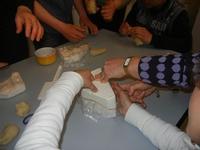 laboratorio agnelli pasquali - realizzati con pasta di mandorle presso l'I.C. G. Pascoli - 15 marzo 2012  - Castellammare del golfo (552 clic)