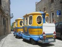 trenino turistico per le vie della città - 5 agosto 2012  - Erice (360 clic)