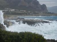 mare in tempesta all'Isulidda - 8 aprile 2012  - Macari (736 clic)