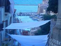 PLAS 2012 - scalinata adiacente alla villa e vista sul porto - 16 settembre 2012  - Castellammare del golfo (322 clic)