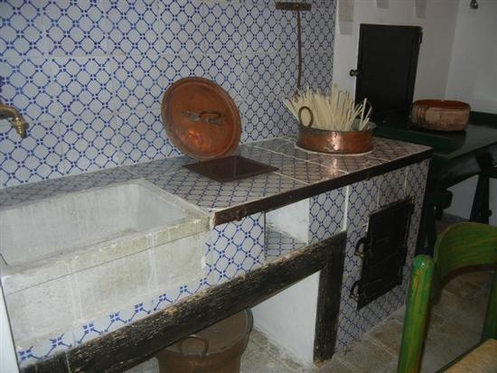 la cucina di una volta - tannura e quarare in rame - BUSETO PALIZZOLO - inserita il 27-Nov-14