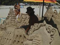 castelli di sabbia - sculture sulla sabbia di Iannini Antonio, scultore napoletano sanvitese - 18 agosto 2012  - San vito lo capo (212 clic)