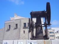 argano e Castello a Mare - 7 settembre 2012  - Castellammare del golfo (310 clic)