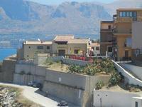 case sul porto - 11 agosto 2012  - Trappeto (582 clic)