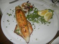 calamaro ripieno - con pomodoro, mollica, mandorle e aglio - frazione SALINAGRANDE - La Piazzetta - 15 gennaio 2012  - Trapani (1163 clic)
