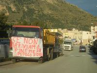protesta degli autotrasportatori - 25 gennaio 2012  - Castellammare del golfo (1300 clic)