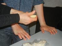 laboratorio agnelli pasquali - realizzati con pasta di mandorle presso l'I.C. G. Pascoli - 20 marzo 2012  - Castellammare del golfo (584 clic)