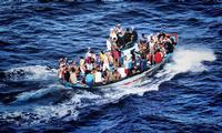 migranti - dono di Piè a me - marzo 2014  - Lampedusa (5328 clic)