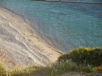 spiaggia di sassi e mare trasparente dal belvedere - 9 maggio 2012  - Macari (1080 clic)