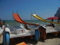 pedalò in riva al mare - 18 agosto 2012  - San vito lo capo (714 clic)