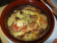 SIRIGNANO - Agriturismo - antipasto - sfincione di pane cotto - 1 maggio 2012  - Monreale (1172 clic)