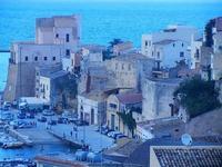 Castello a Mare e case sul porto - 16 settembre 2012  - Castellammare del golfo (219 clic)