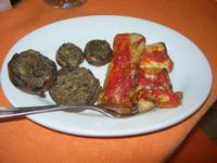 SIRIGNANO - Agriturismo - antipasto - funghi ripieni ed involtini di melanzane - 1 maggio 2012  - Monreale (1202 clic)