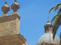 particolare architettonico e cupola della Basilica S. Maria Assunta - 2 giugno 2012  - Alcamo (236 clic)