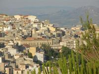 scorcio della città dal Castello Eufemio - 2 giugno 2012  - Calatafimi segesta (333 clic)
