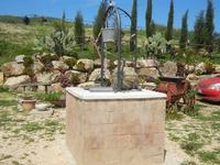pozzo - Baglio Arcudaci - 1 aprile 2012  - Bruca (717 clic)