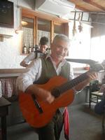 SIKANIA - Compagnia di canto e musica popolare - Santo Arceri (chitarra percussioni e voce) e Michele Ditta (fisarmonica) - Bosco di Scorace - Il Contadino - 13 maggio 2012  - Buseto palizzolo (508 clic)