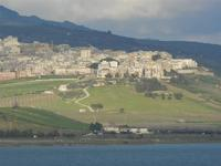 la città vista dal Lago Arancio - 26 febbraio 2012  - Sambuca di sicilia (1157 clic)