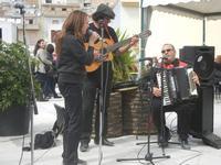 Festa di Primavera - Sagra della salsiccia, del pane cunzato e dell'arance di Calatafimi Segesta - 22 aprile 2012  - Calatafimi segesta (475 clic)