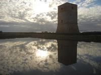 Torre di Nubia al tramonto e riflessi - Oasi Naturale Orientata Saline di Trapani e Paceco (572 clic)