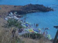 piccola spiaggia di sassi - 23 agosto 2012  - Macari (402 clic)