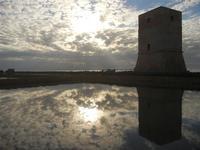 Torre di Nubia al tramonto e riflessi - Oasi Naturale Orientata Saline di Trapani e Paceco (549 clic)