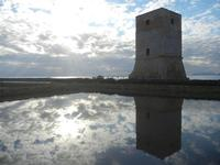 Torre di Nubia al tramonto e riflessi - Oasi Naturale Orientata Saline di Trapani e Paceco (551 clic)
